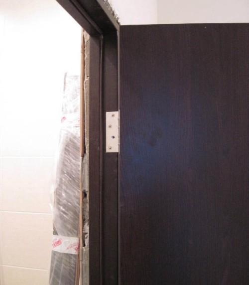Как проверить правильность установки двери