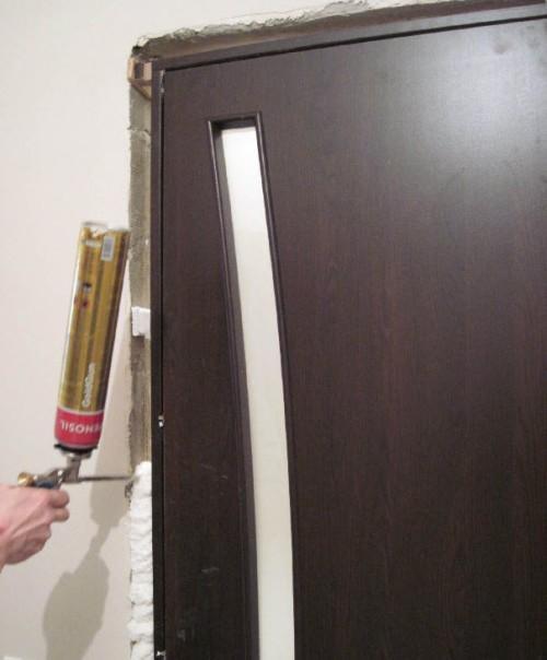 Запенивание дверного полотна