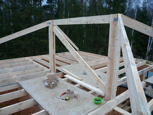 Как сделать вальмовую крышу?