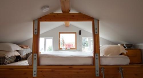 Спальня в жилом гараже
