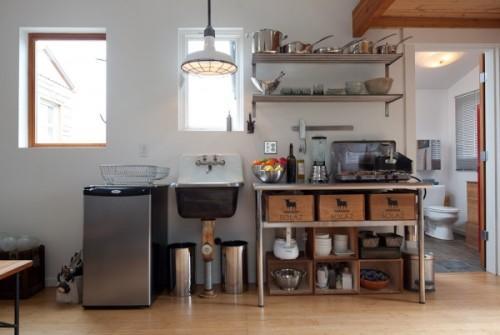 Кухня в жилом гараже