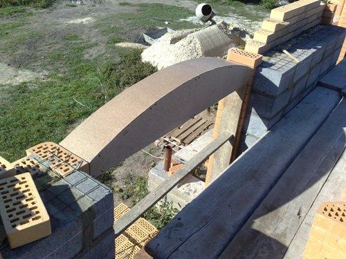 Установка шаблона арки в оконный проем