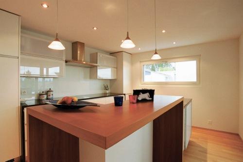 Дизайн потолков на кухне. Фото 6