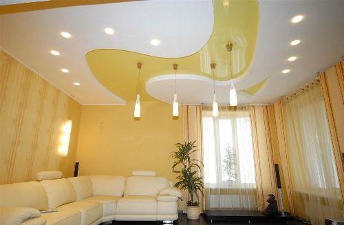 Дизайн потолков в гостиной. Фото 4