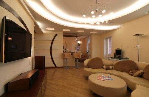 Дизайн потолков в гостиной. Фото 5