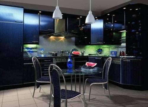 Интерьер кухни в синем цвете. Фото 14