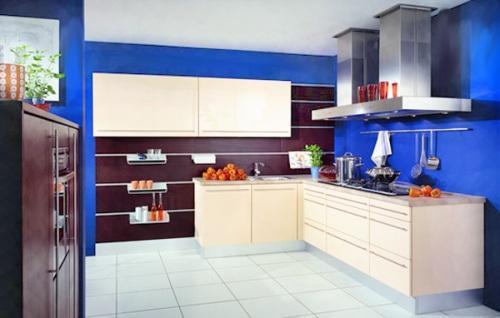 Интерьер кухни в синем цвете. Фото 7