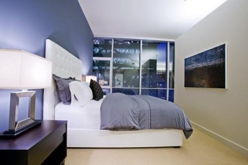 Интерьер спальни в синем цвете. Фото 15