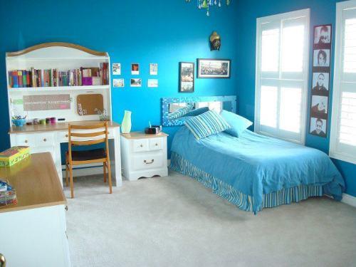 Интерьер спальни в синем цвете. Фото 17