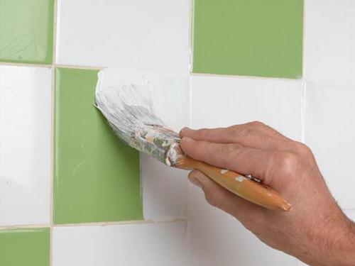 Как покрасить керамическую плитку?