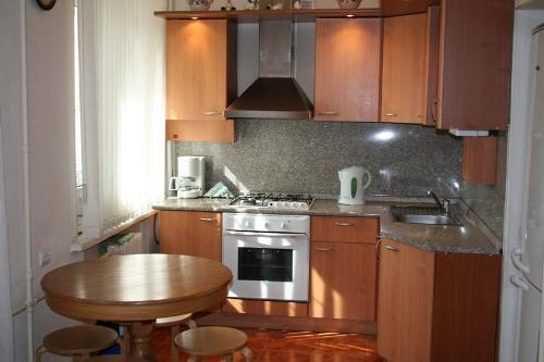 Кухни 10 кв. м. Фото 8