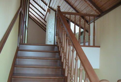 Лестница на мансарду. Фото 13