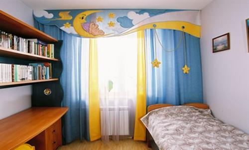 Оформление окна в детской. Фото 15