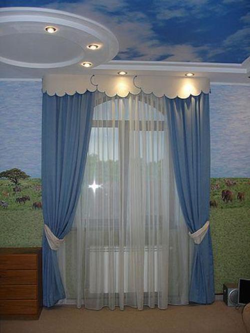 Оформление окна в детской. Фото 18