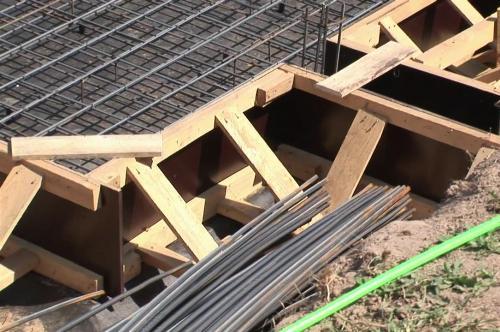 Опалубка под плитный фундамент