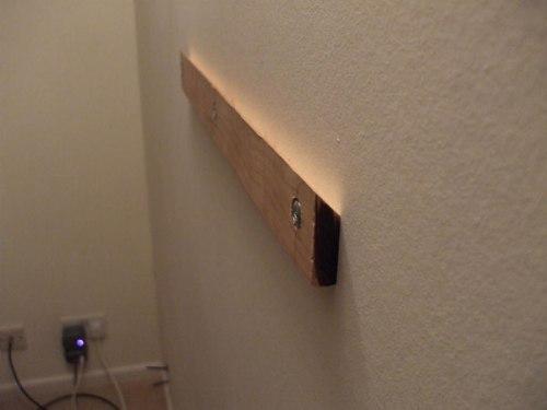 Деревянный крепеж для телевизора