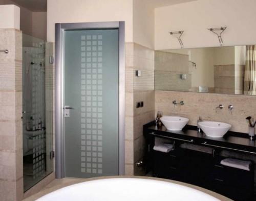 Стеклянные двери для ванной и туалета. Фото 5