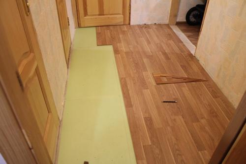 Укладка ламината в коридоре шаг за шагом
