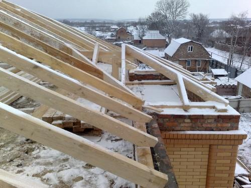 Строительство крыши над балконом