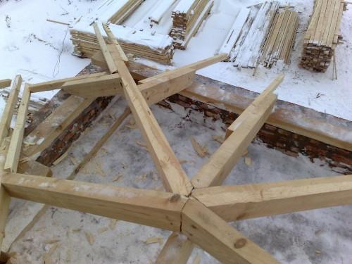 Стропила крыши балкона