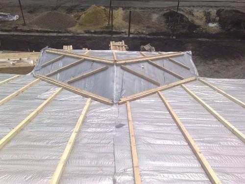 Гидроизоляция и обрешетка крыши балкона