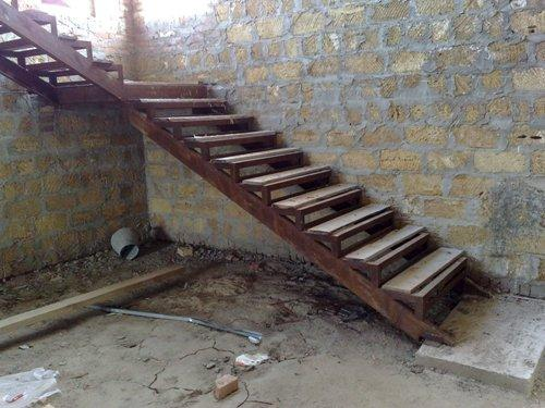Лестница из швеллера