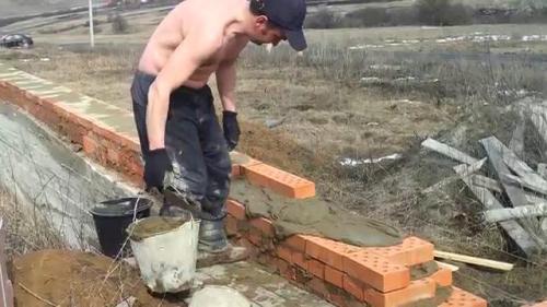 Технология строительства цоколя из кирпича