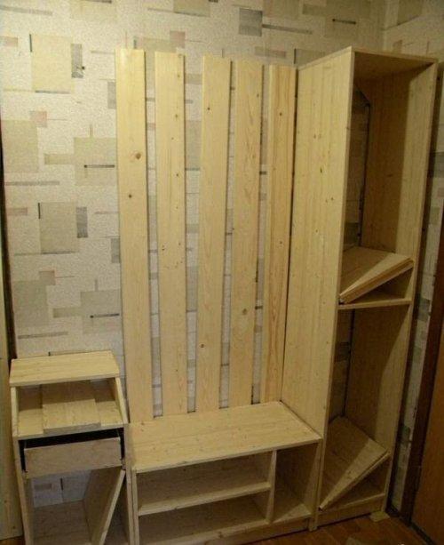Вешалка шкафа