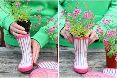 Высаживаем цветы в сапоги