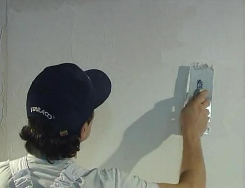 Как выполнить декоративную штукатурку стен своими руками?