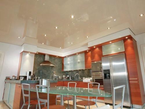 Дизайн натяжных потолков на кухне. Фото примеры красивых потолков