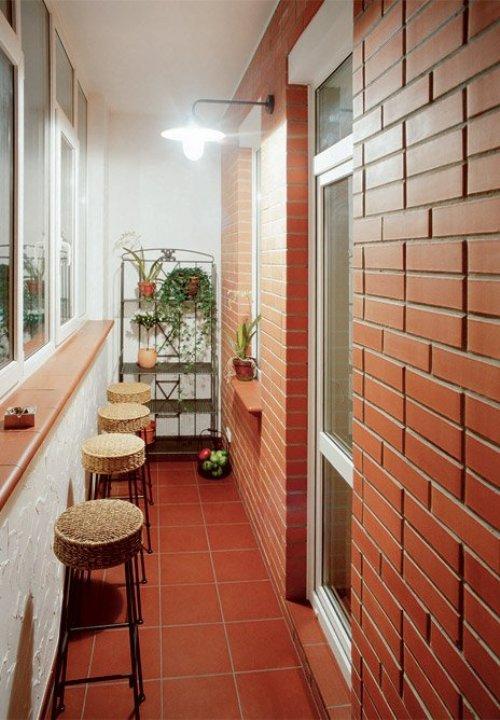 Подоконник - барная стойка на балконе