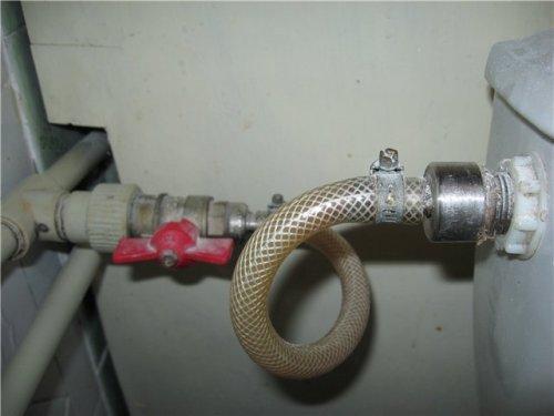 Подсоединение гибкой подводки