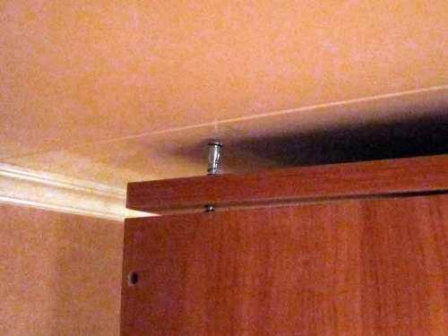 Монтаж крышки шкафа