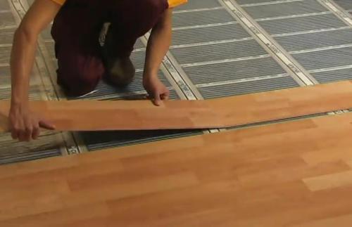 Монтаж напольного покрытия по вех инфракрасного пола