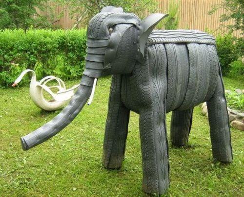Слон из покрышек
