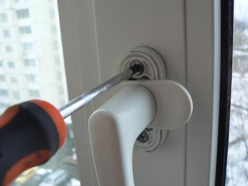 Замена рукоятки открывания окна