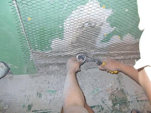 Набивка сетки на стену