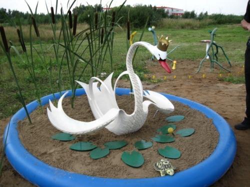 Лебедь из покрышки