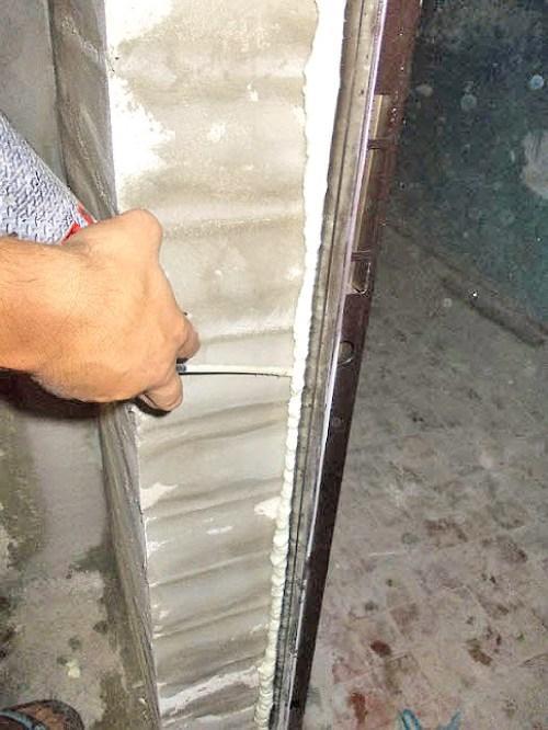 Шимо- и теплоизоляция входной двери