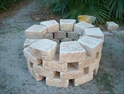 Четыре ряда камня
