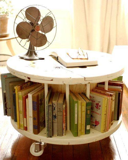 Журнальный столик с полкой для книг