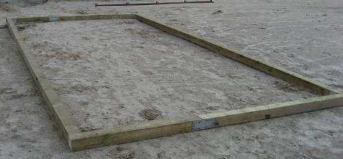 Деревянный фундамент для теплицы