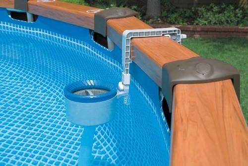 Простое решение для очистки бассейна или водоема