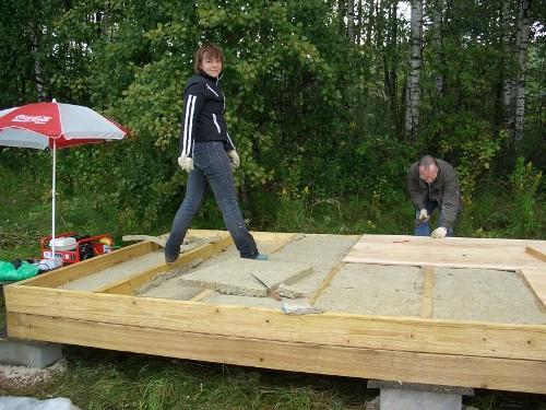Деревянная платформа с утеплителем
