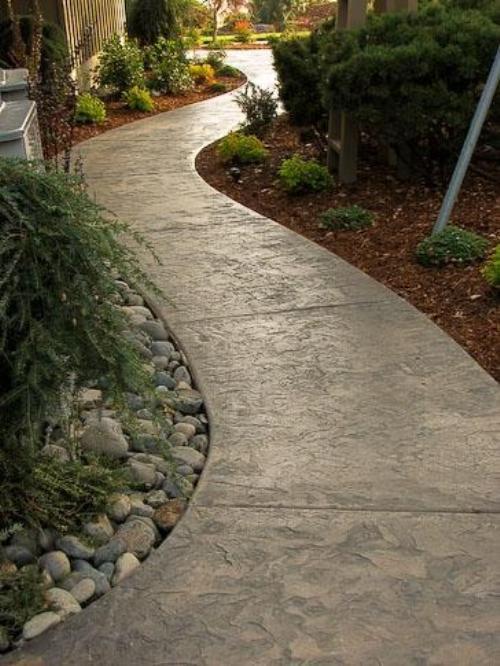 Сплошные садовые дорожки из бетона
