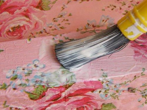 Декорирование мебели тканью своими руками