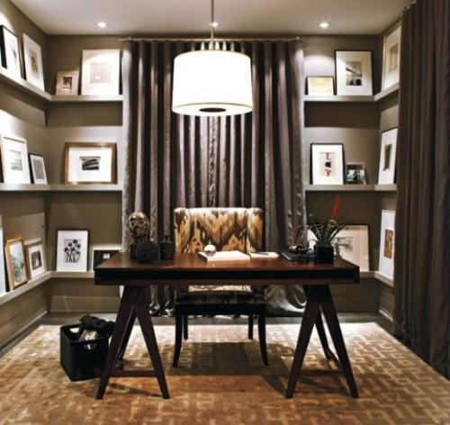 Офис с картинами