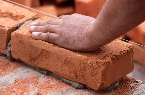 Кирпичная кладка стен. Как построить дом из кирпича?