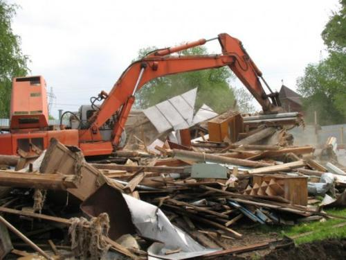 Сколько стоит снести старый деревянный дом